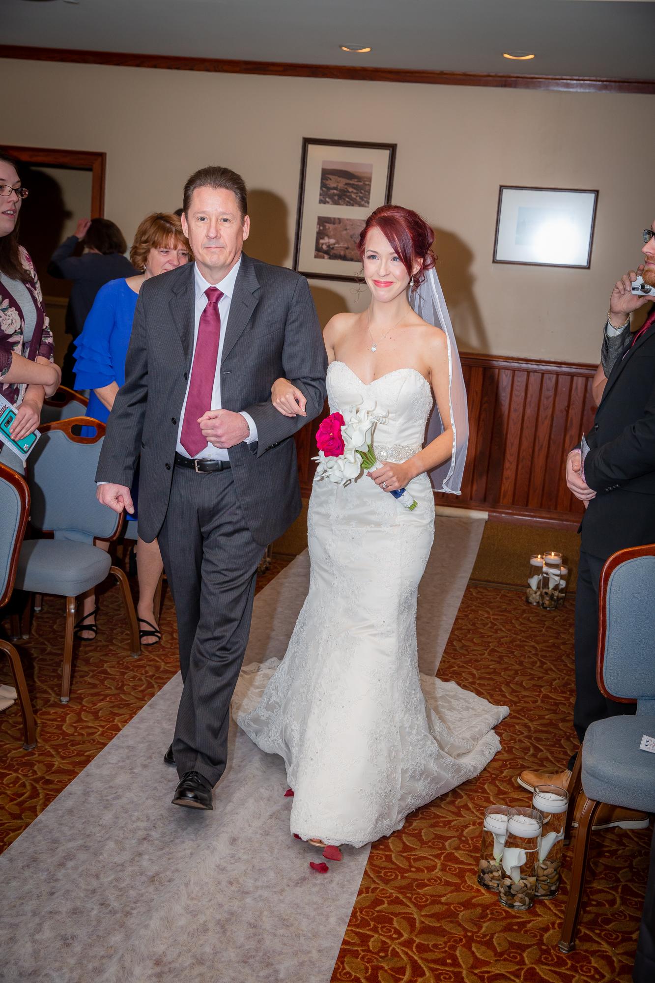 Elmira-Country-Club-Wedding-0217.jpg