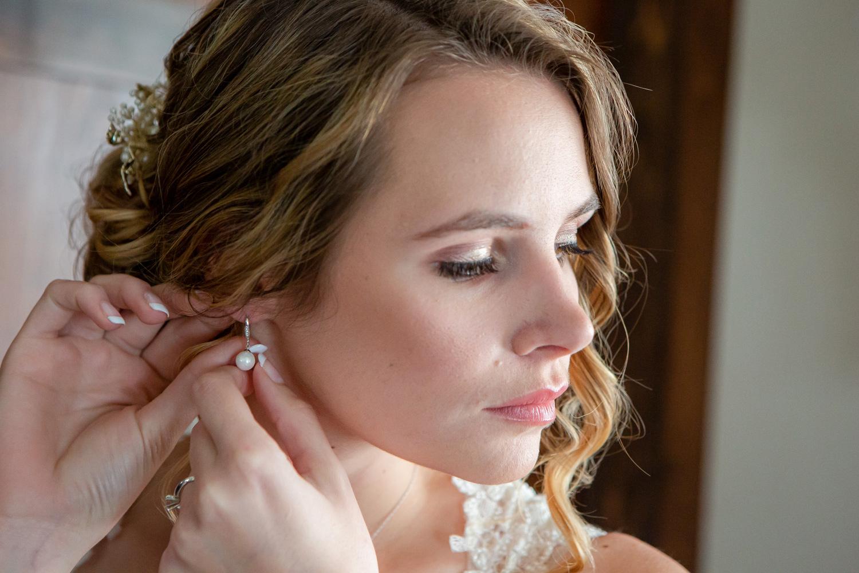 Bride Getting Ready on her Wedding Day  Photographer - Joe Hy