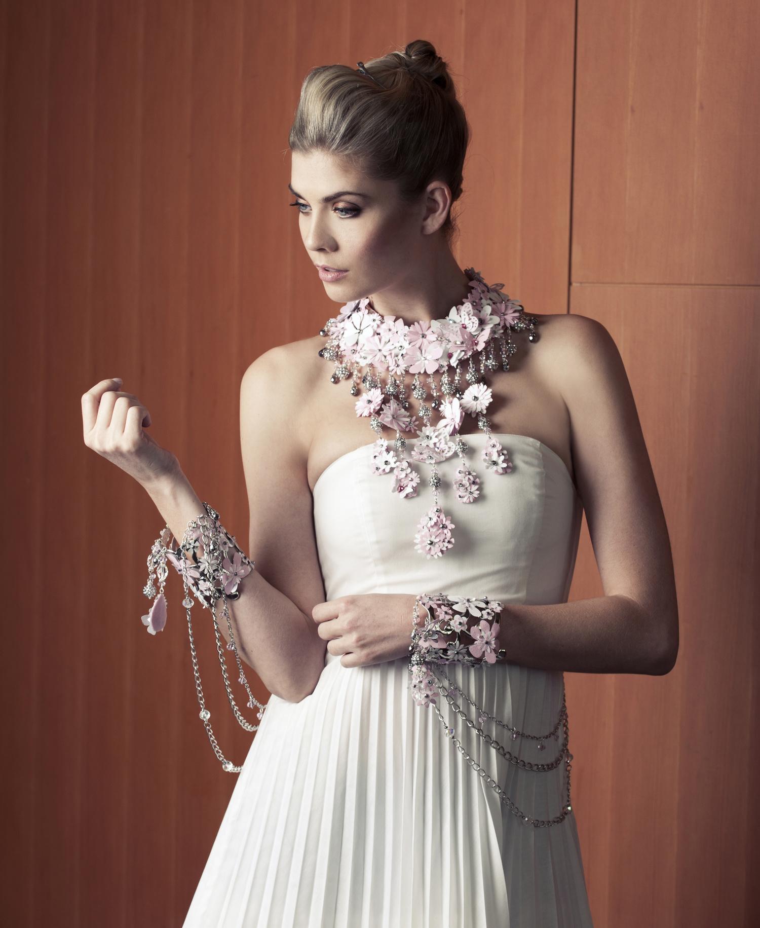 White-Cashmere-Collection-2013-Rita-Tesolin-Photographer-Caitlin-Cronenberg.jpg