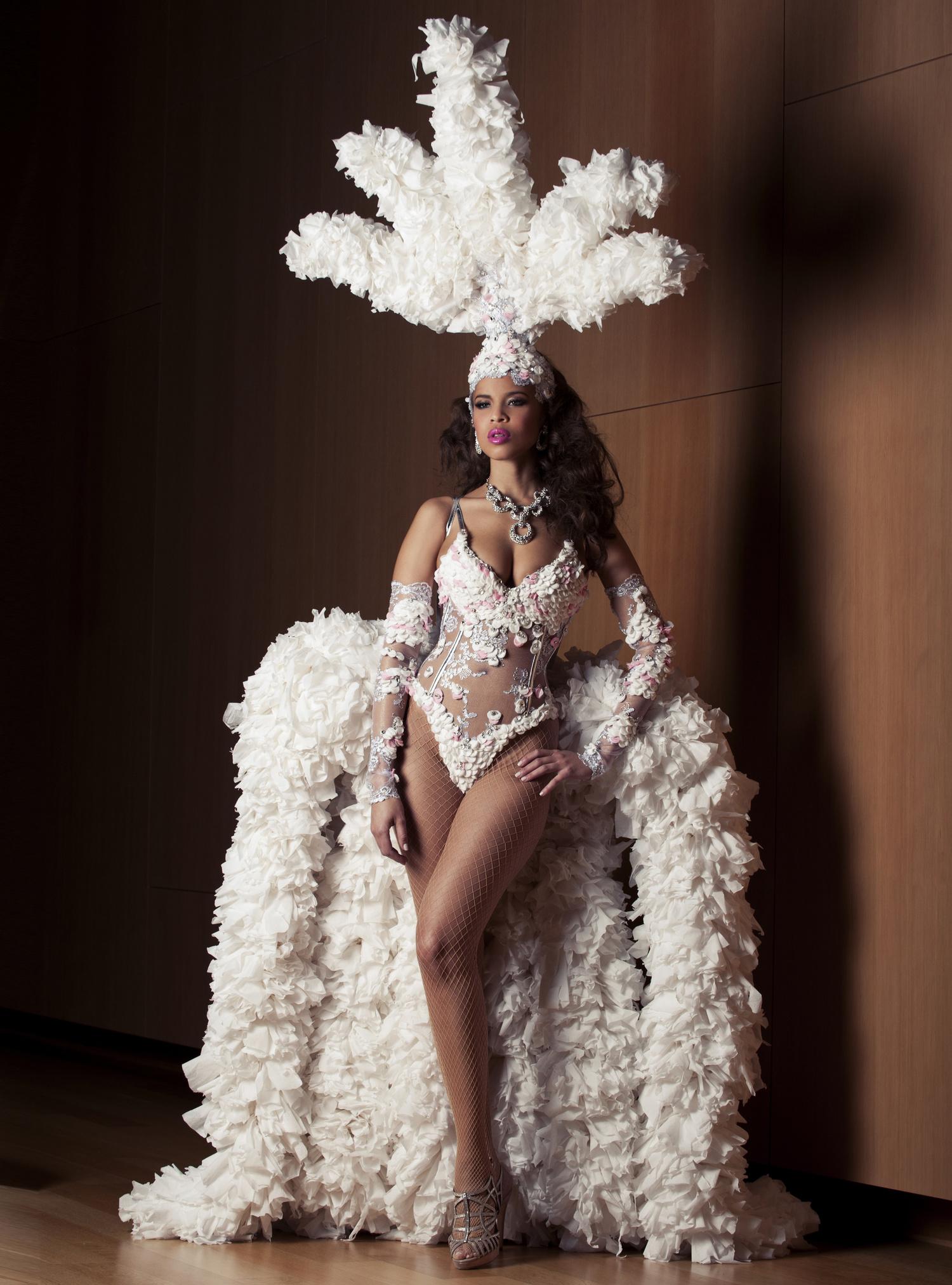 White-Cashmere-Collection-2013-Rod-Philpott-Photographer-Caitlin-Cronenberg.jpg