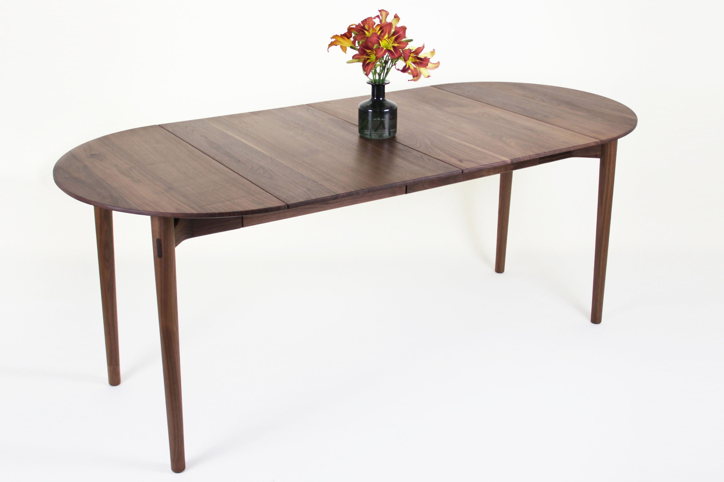SinCa+Design_Expanding+Table_Brown_1.jpg