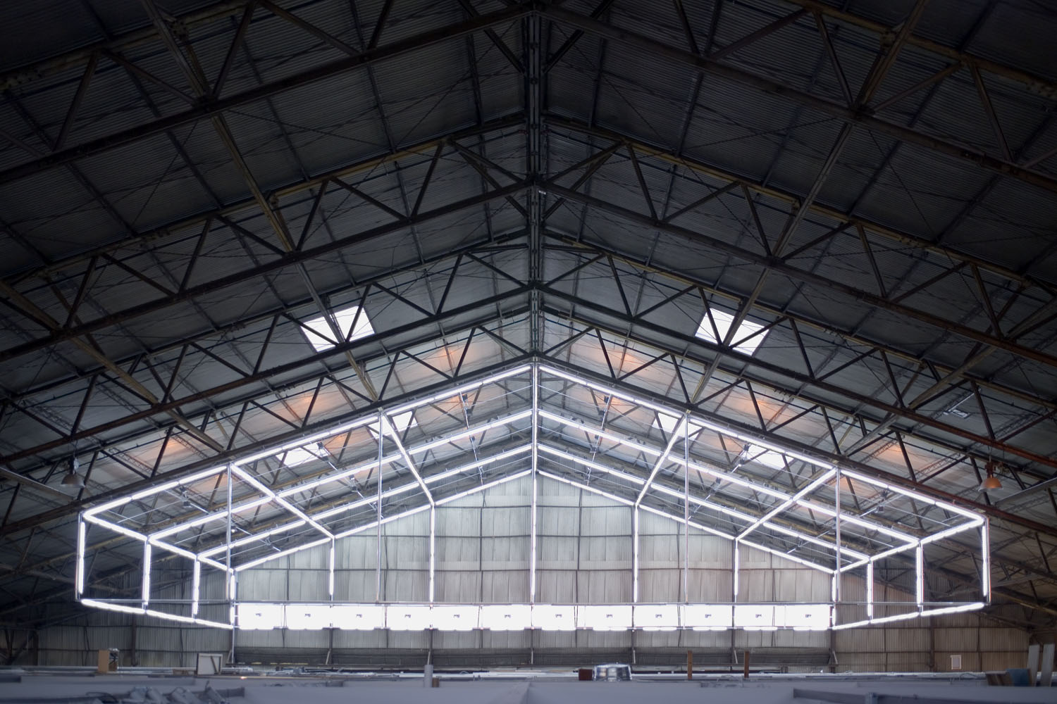 light-hangar-front-all-fluo.jpg