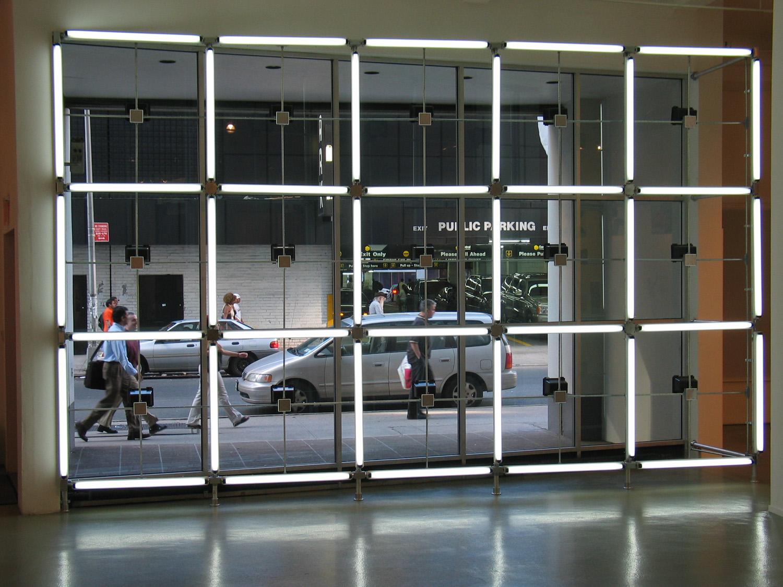 inside_outside_0129_fluo_day.jpg