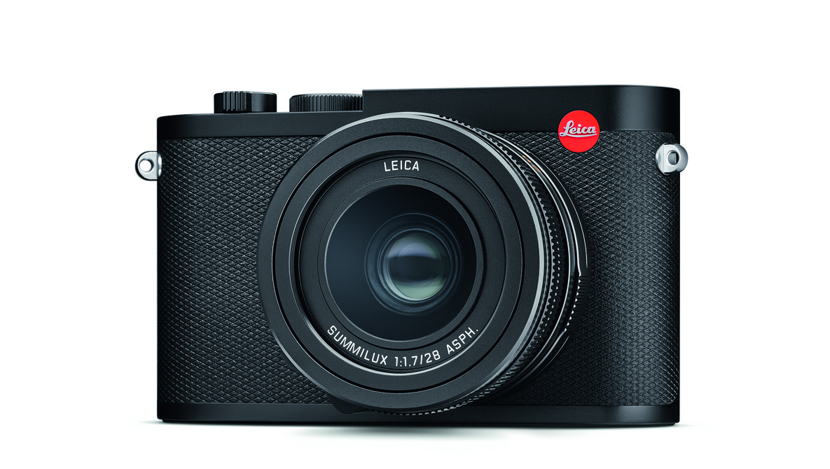 01_leica_q2_totale_front_hires_cmyk.jpg