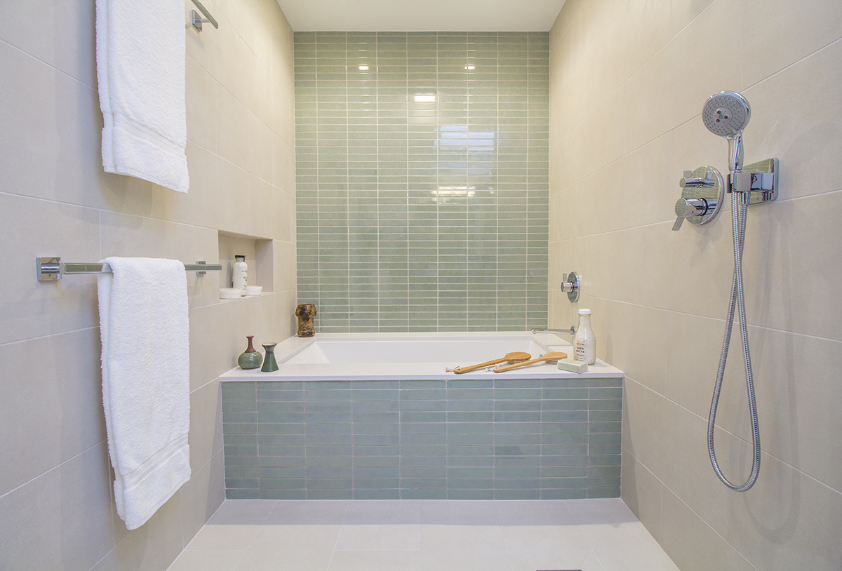 20 Bath 1 Shower.jpg