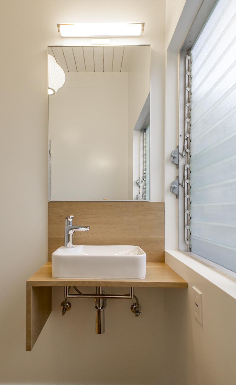 28 Bath 3 Shelf.jpg