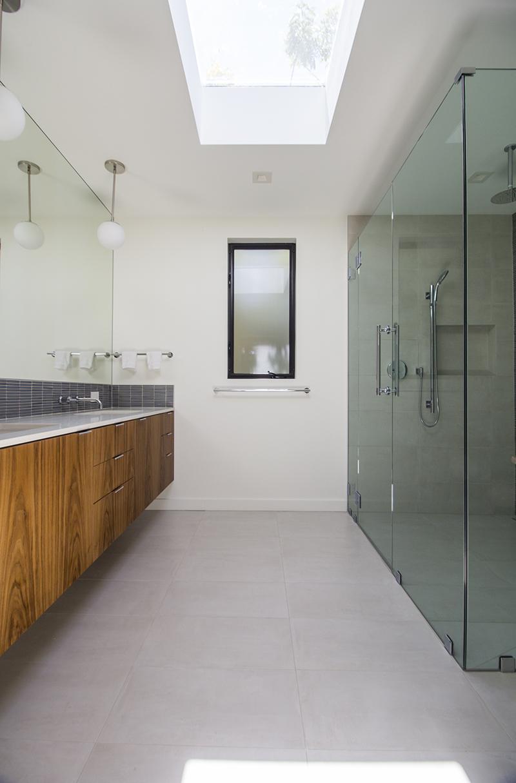 9 Bath 1 from door vertical.jpg