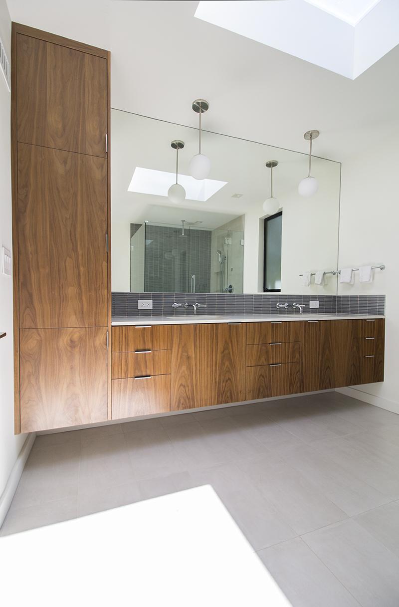 11 Bath 1 To Vanity from Southwest corner 2.jpg