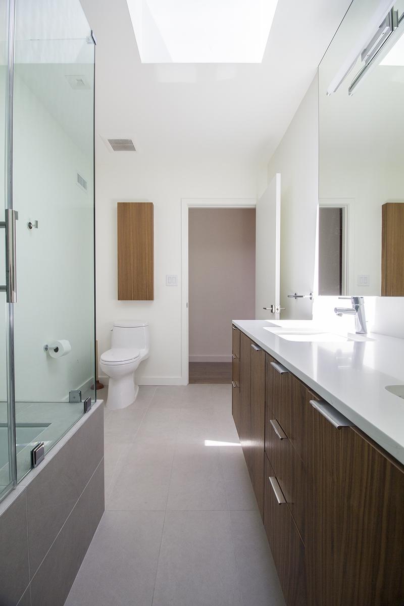 19 Bath 2 vertical towards door.jpg