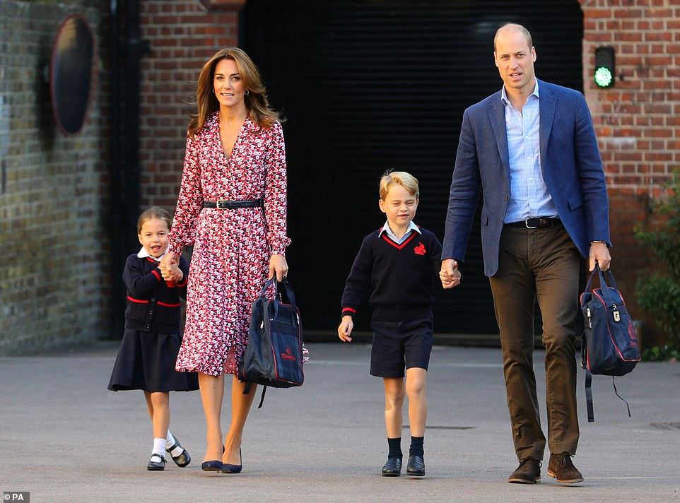 18095328-7430097-Princess_Charlotte_with_by_her_father_the_Duke_of_Cambridge_and_-m-64_1567668548471.jpg