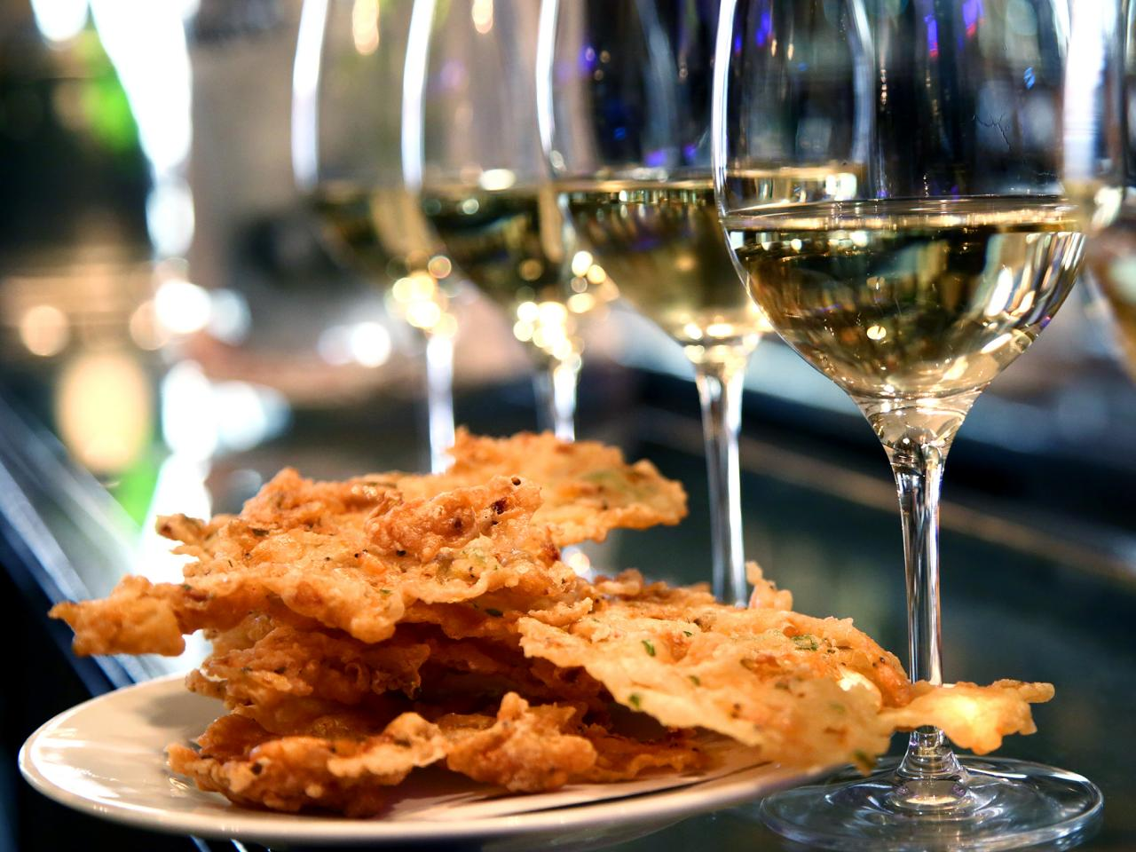 food-paradise-international-007-deep-fried.jpg.rend.tccom.1280.960.jpeg