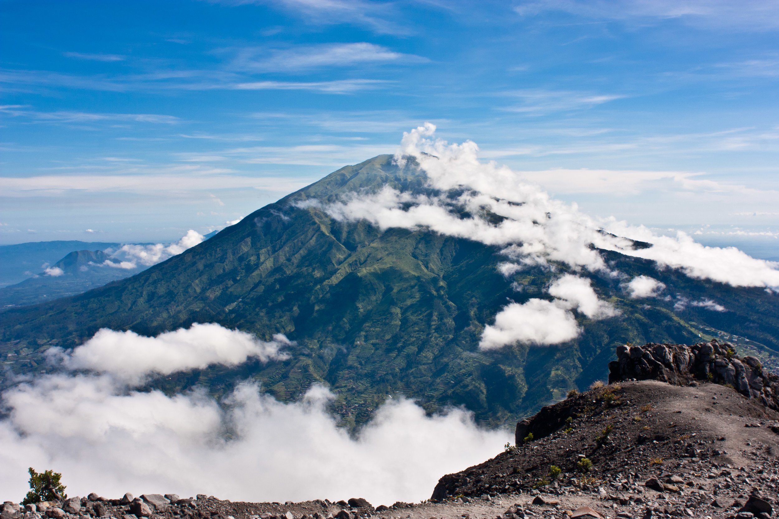 Mount_merbabu.jpg
