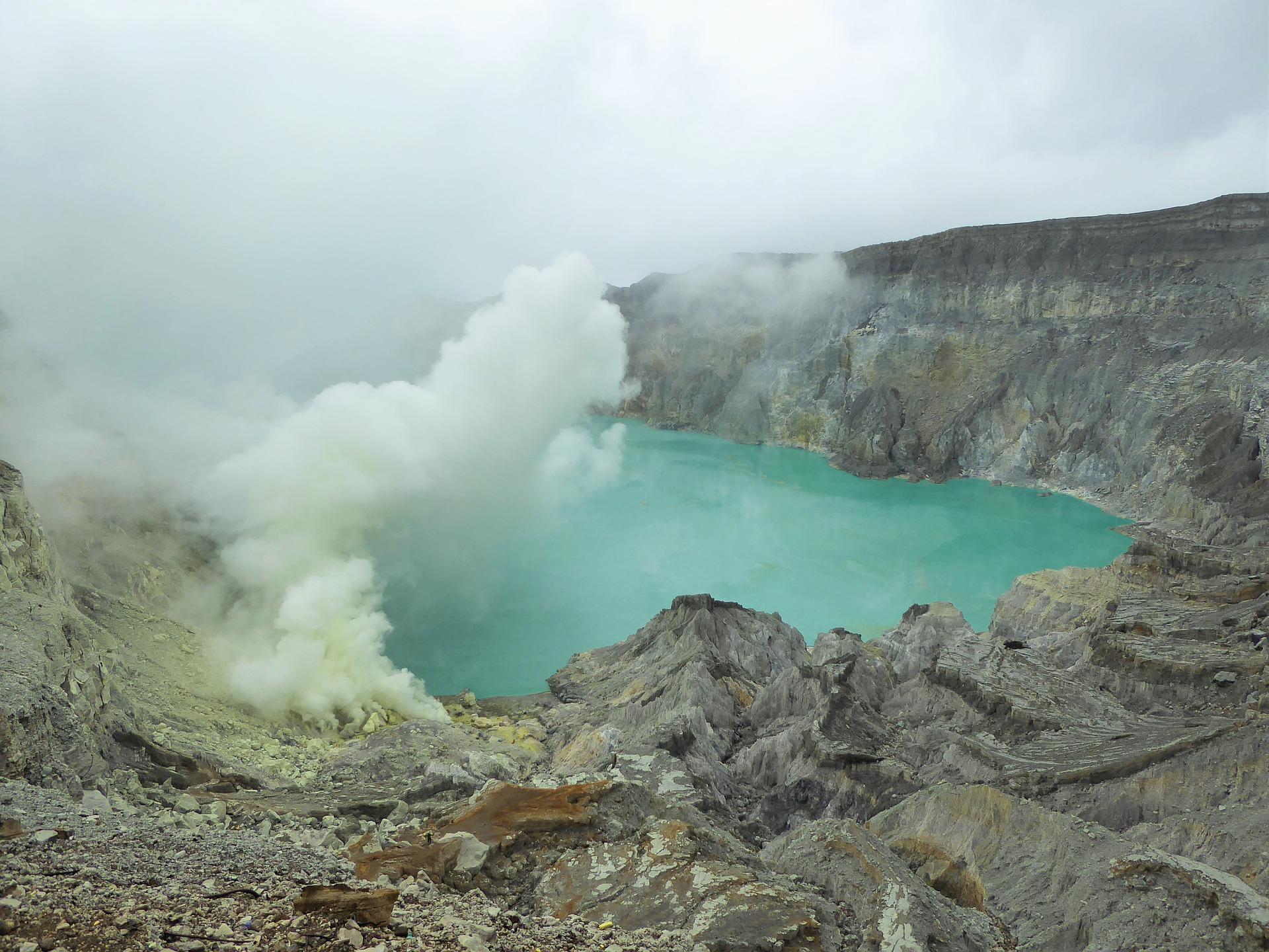 Volcano ijen.jpg
