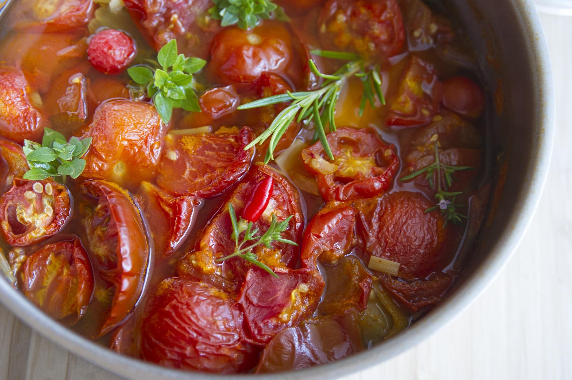 stewed-tomatoes-2140049_1920.jpg