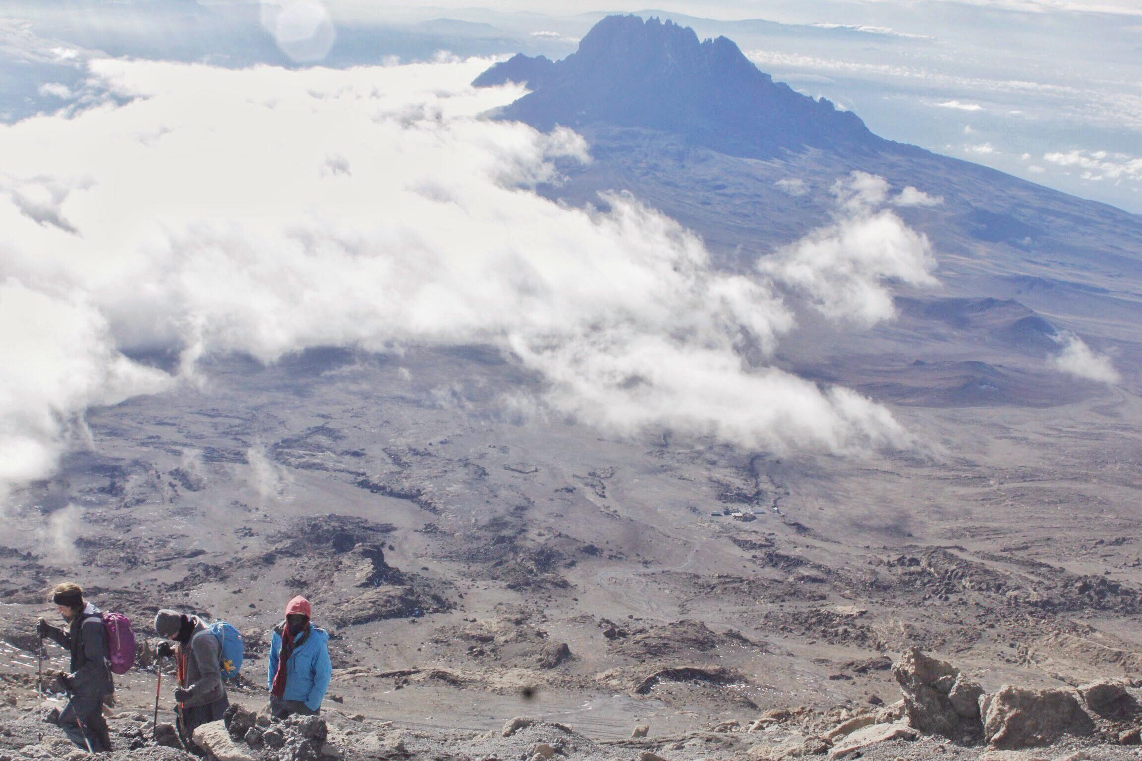 Kilimanjaro_Tipping_Guides_Porters.jpg