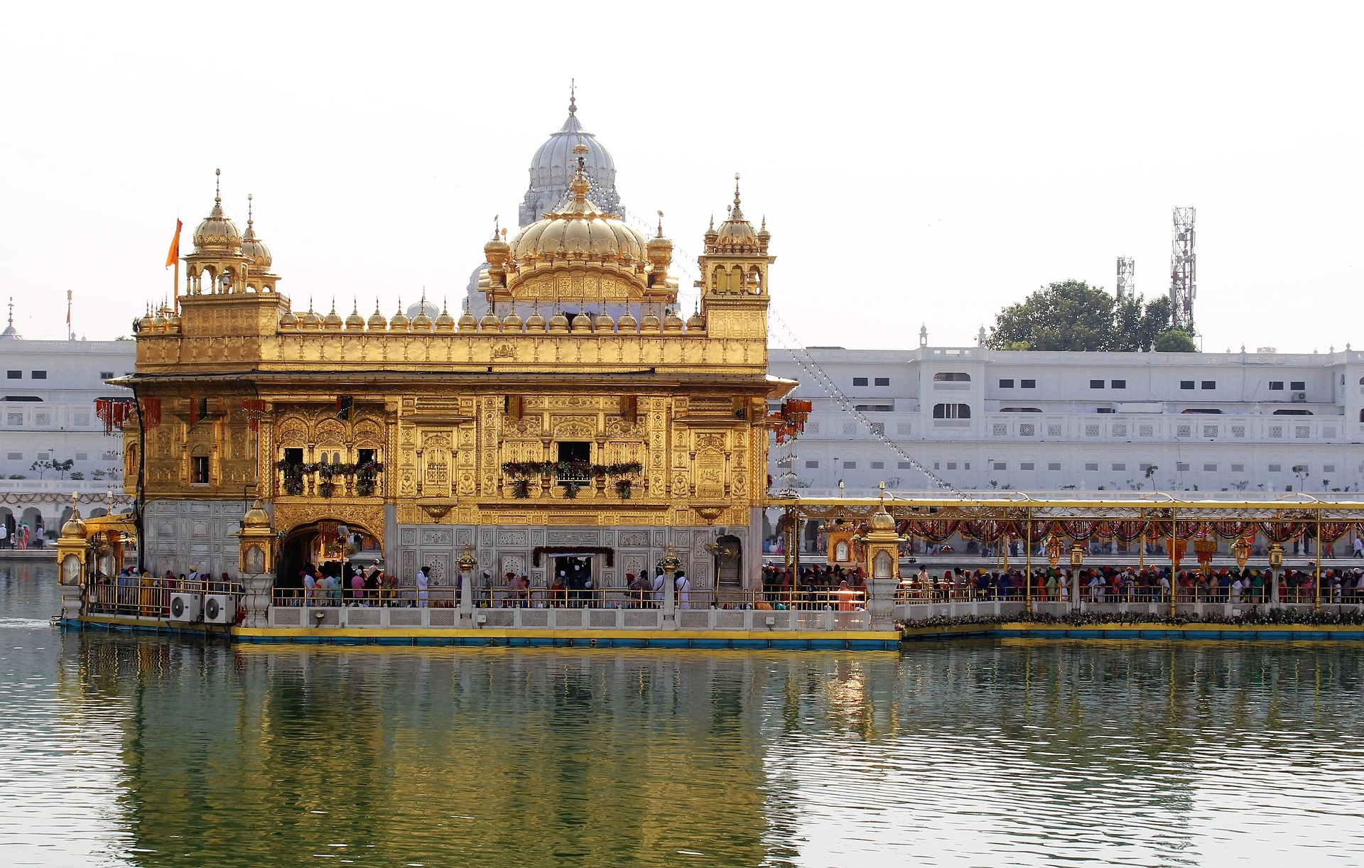 golden-temple-1833064_1920.jpg