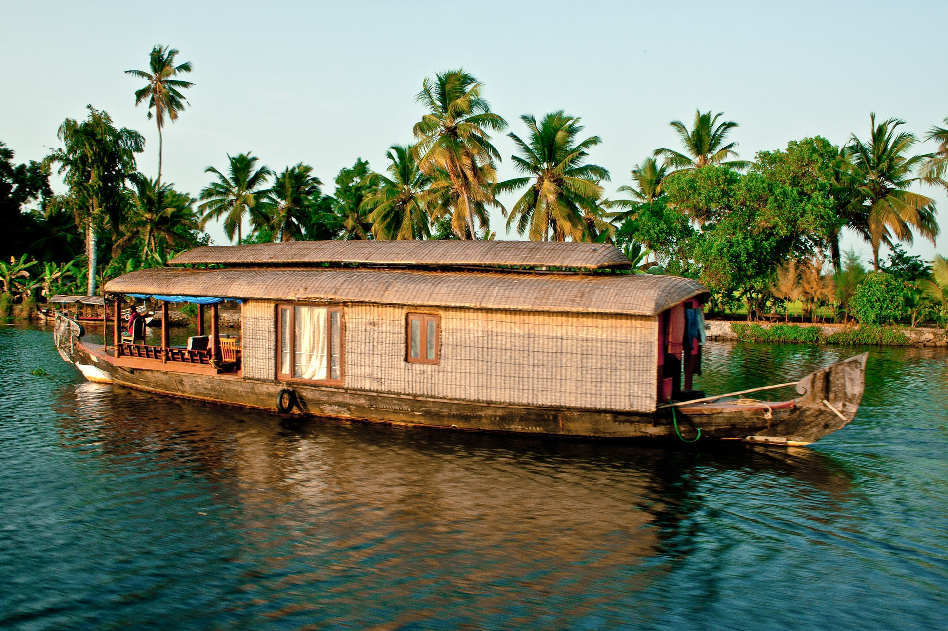 backwaters-2075753_1920.jpg