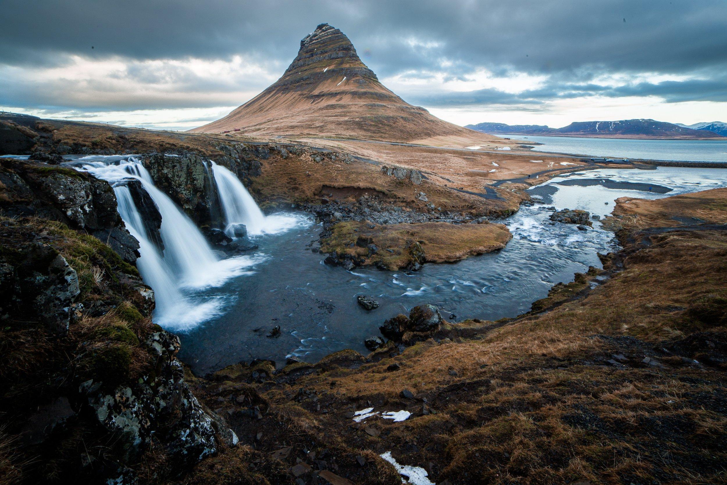 Kirkjufellsfoss, Iceland.jpg