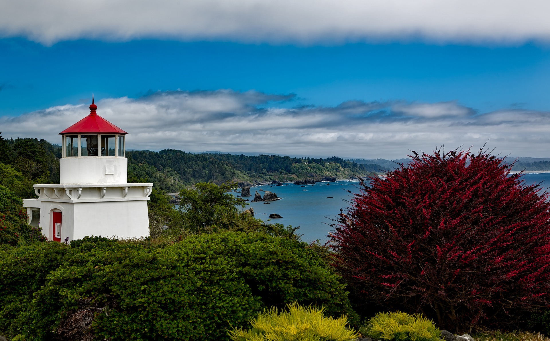 trinidad-memorial-lighthouse-1599182_1920.jpg