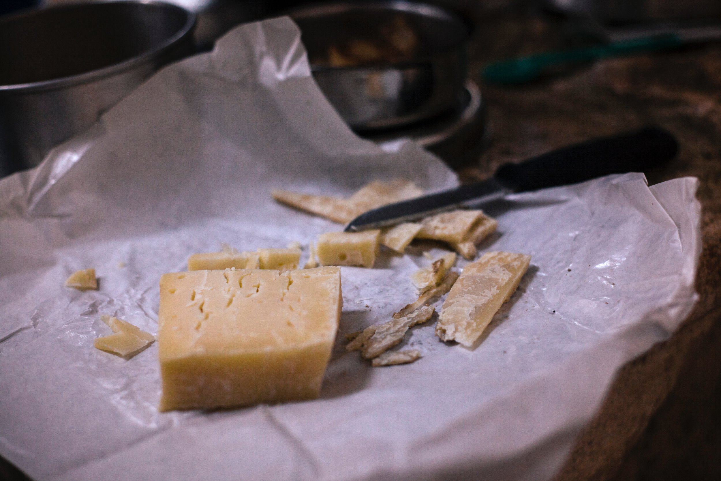 cheese-close-up-dairy-product-793129.jpg