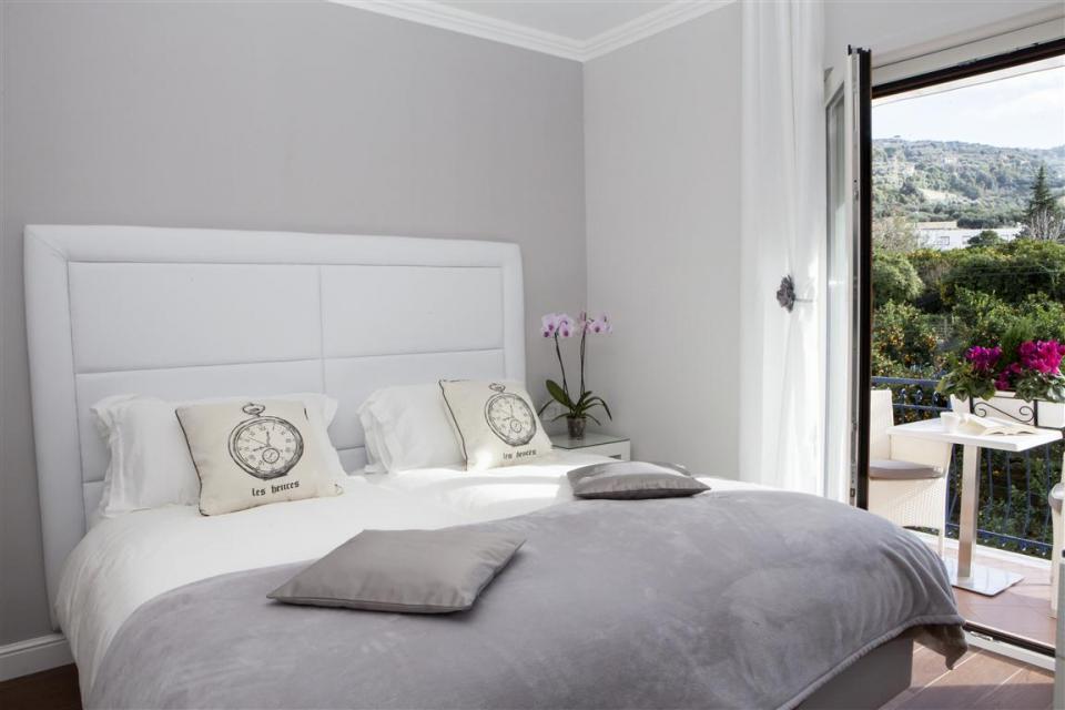 bedroom2BVR.jpg