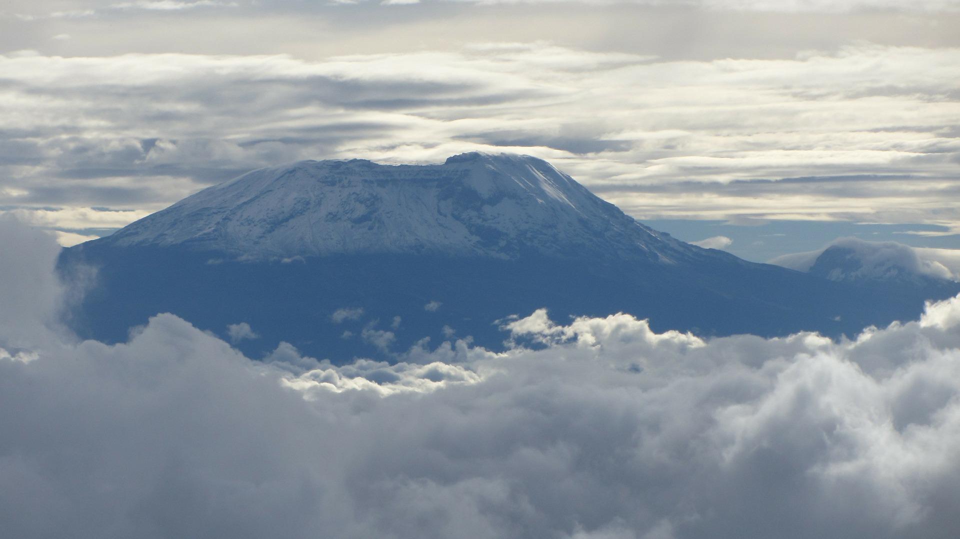 kilimanjaro-279998_1920.jpg