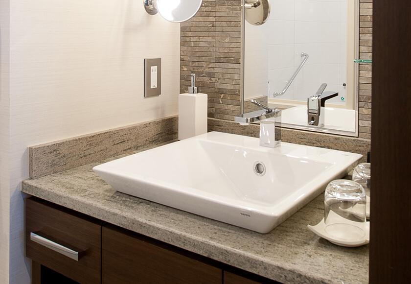 osaka bathroom.jpg