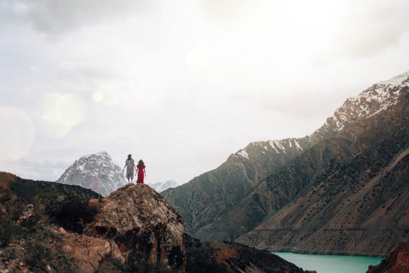 silk-road-travel-mountain-range.jpg