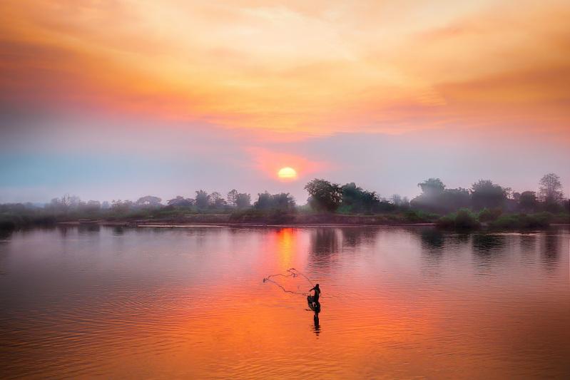 vietnam-cultural-adventure-sunset.jpg