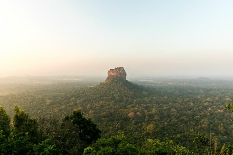 sri-lanka-expedition-sigiriya-lion-rock.jpg