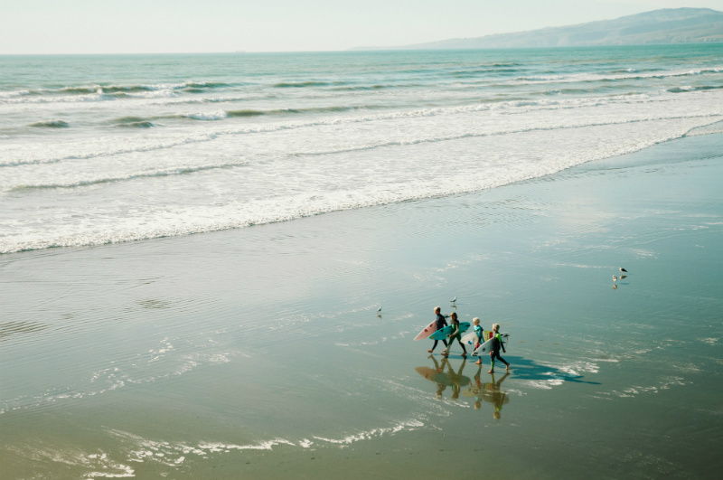 top-things-to-do-in-new-zealand-surfing-beach.jpg