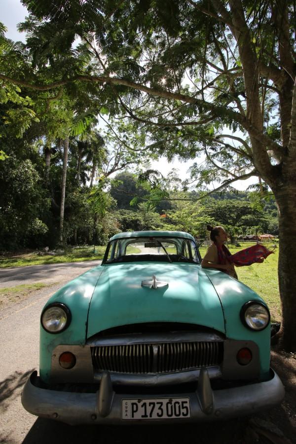 traveling-to-cuba-vintage-car.jpg