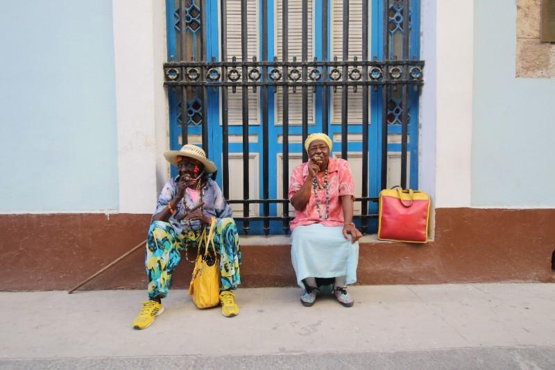 traveling-to-cuba-women-cigars.jpg
