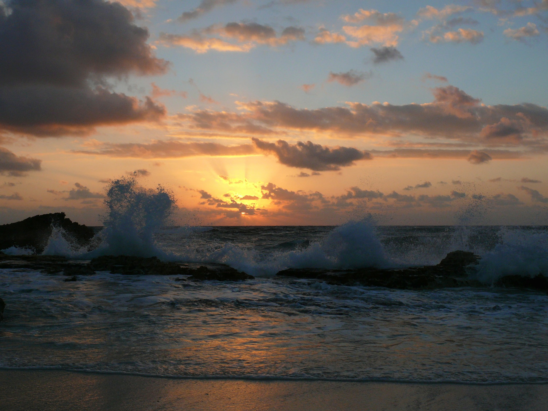 sunrise-69614_1920.jpg