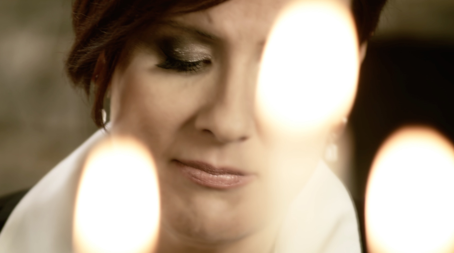 Karin-music-video-Screenshot 2015-11-08 08.06.20.jpg