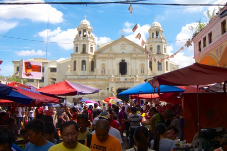 Photo source: http://15-degrees-east.com/quiapo-market/