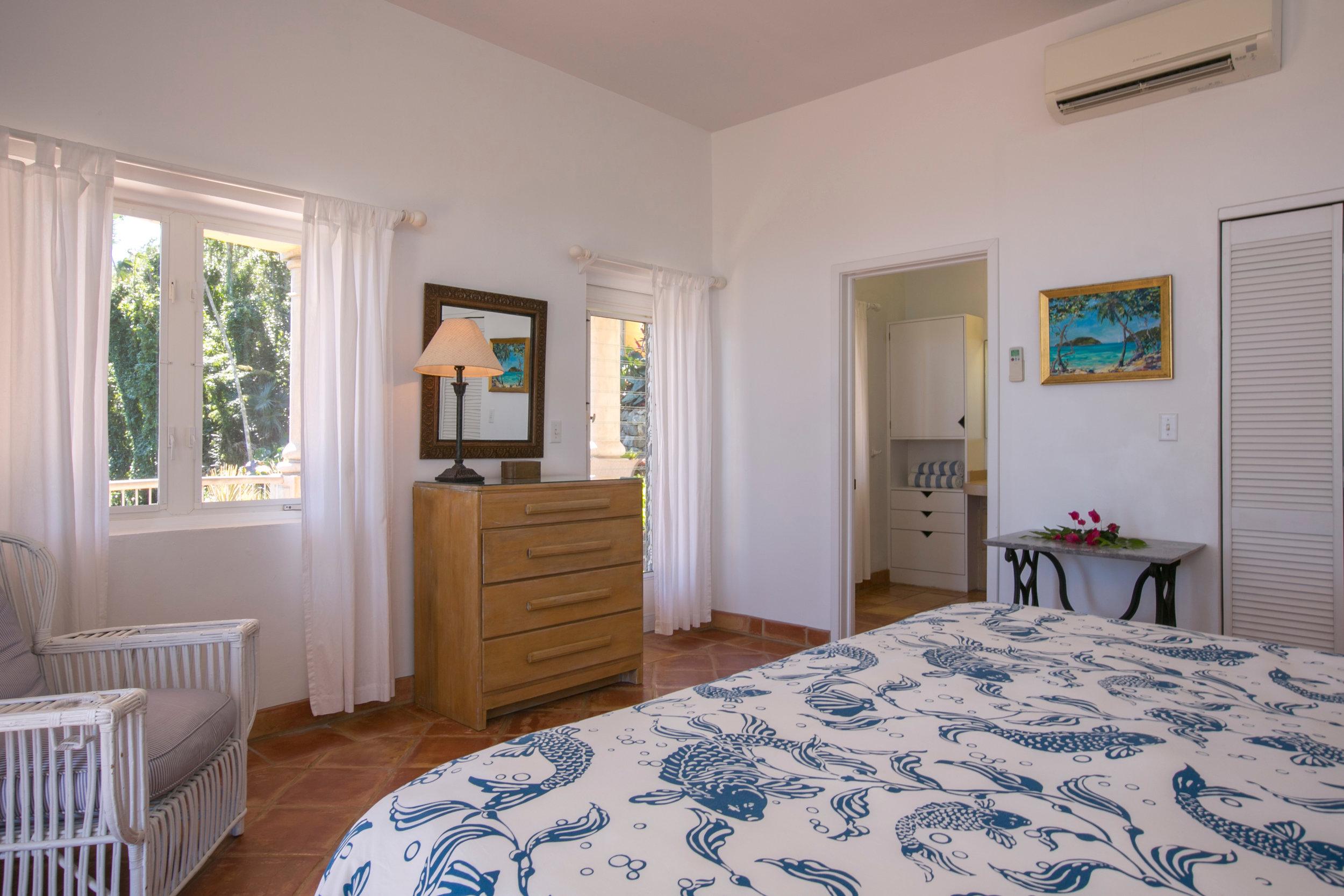 drakesview_white-bed-room-5D3B5396.jpg