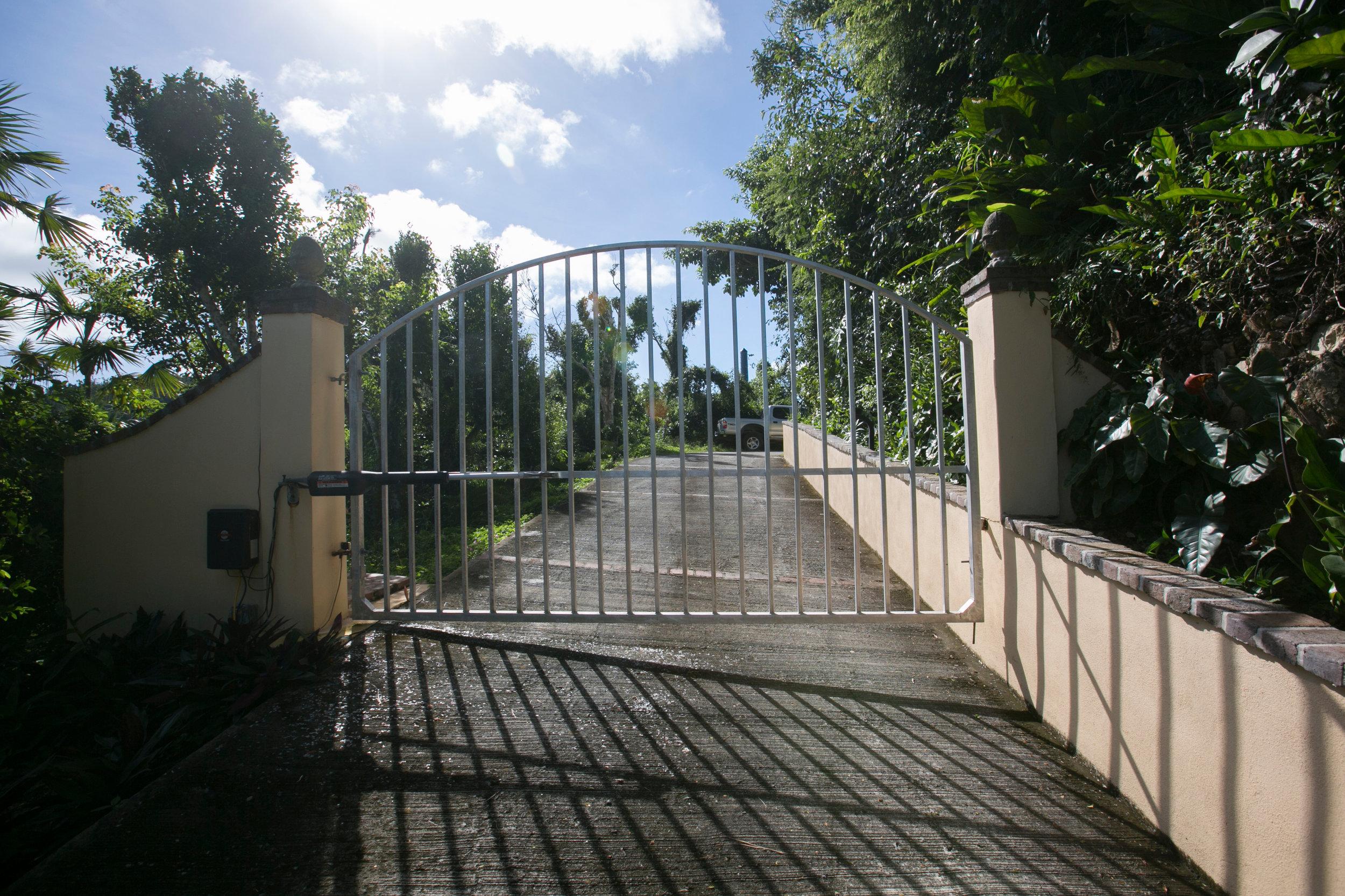 drakesview_gate-5D3B5336.jpg