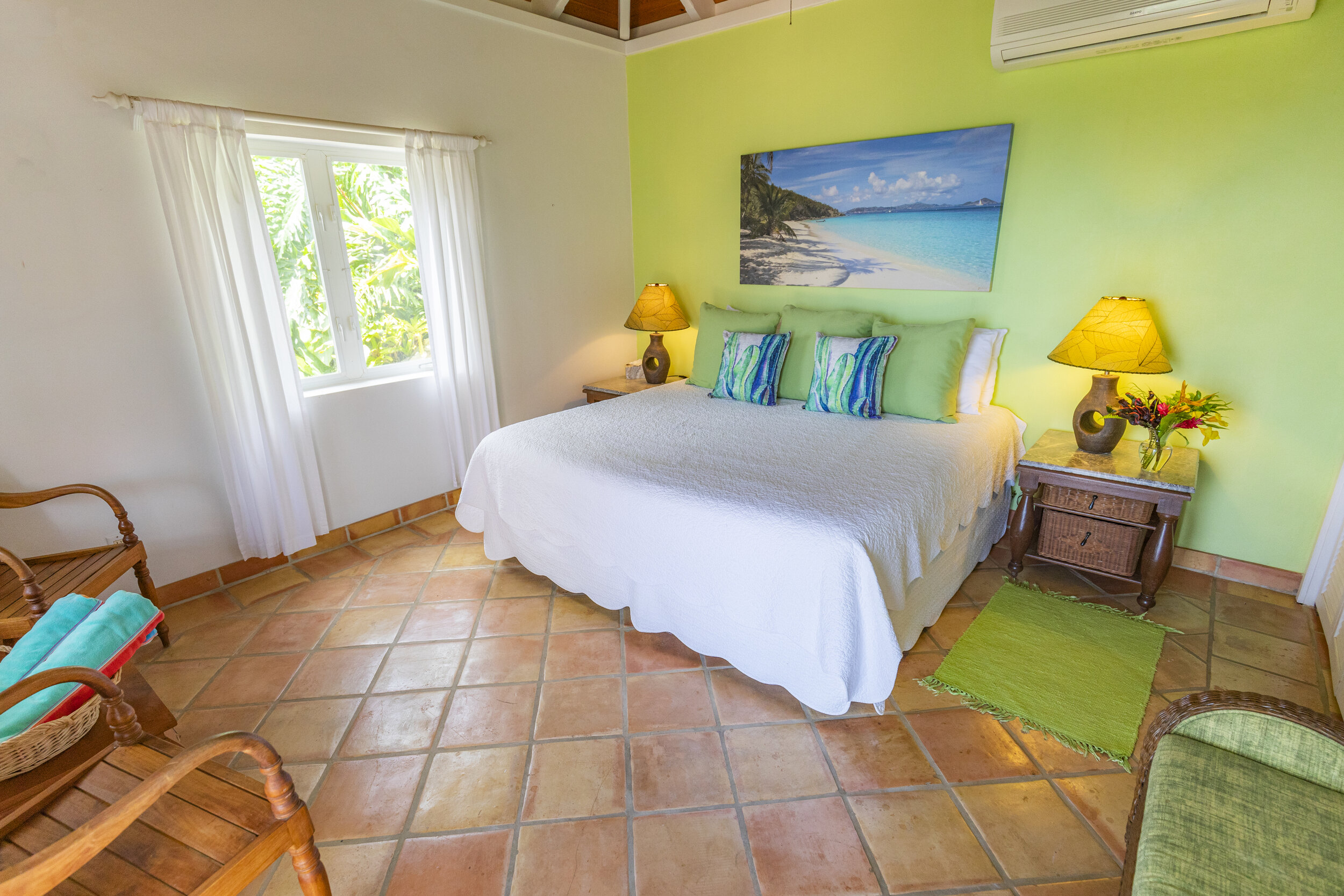 cottagebedroomcanon2.jpg