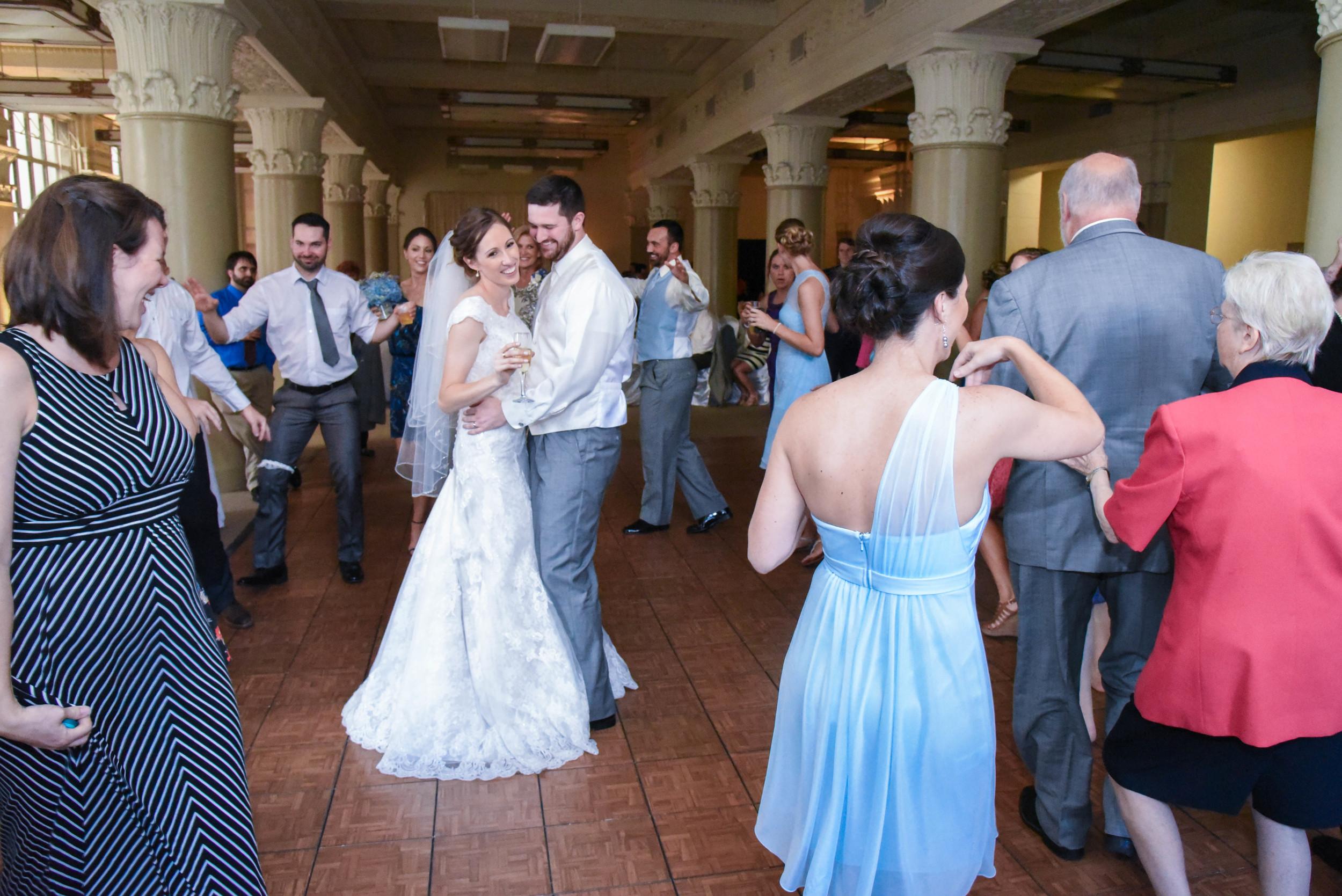 federal bride-groomdance (1 of 1).jpg