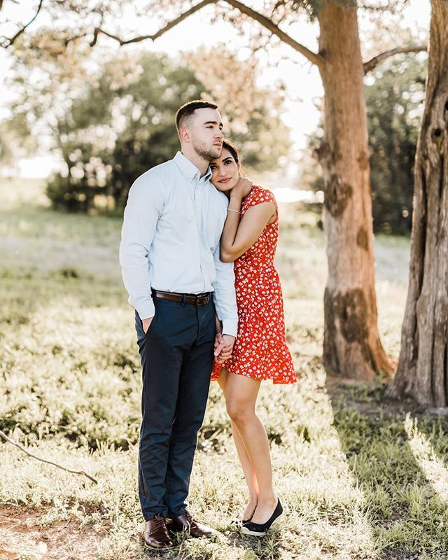 Simi + Trent✨ I had the best time at this session on Saturday! Good light, great weather + adventurous spirits. I've got a full weekend of sewing ahead of me and I'm not mad about it❤️ Happy Friday!