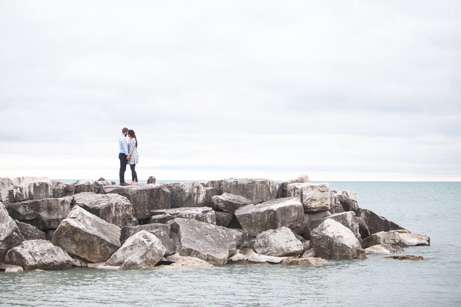 couple-love-young-couple-romance-464517.jpeg