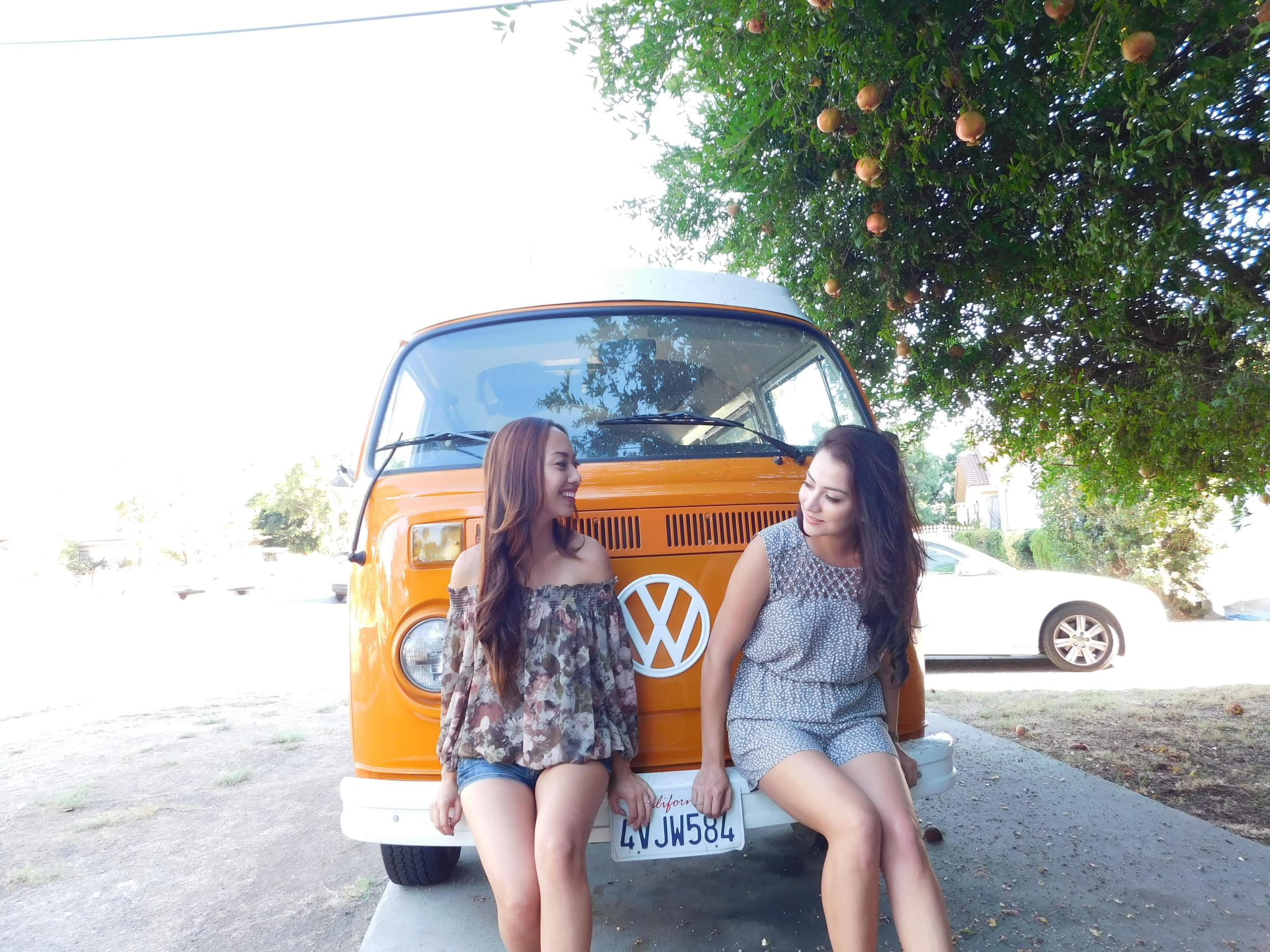 We found this 60's van around Cristina's neighborhood. How CUTE is it?!