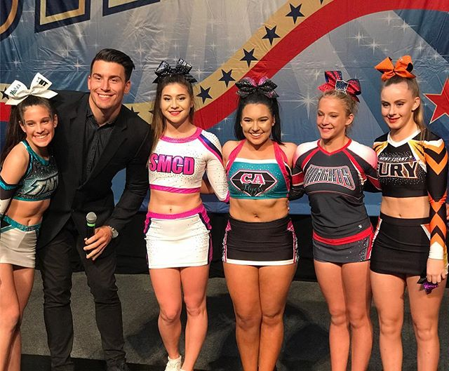 Stars N Stripes TUMBLE CHAMPS for 2017 - these girls blew us all away with their skills! 🙌🤸🏼♀️Special thanks to our Tumble Judge Jared!!
