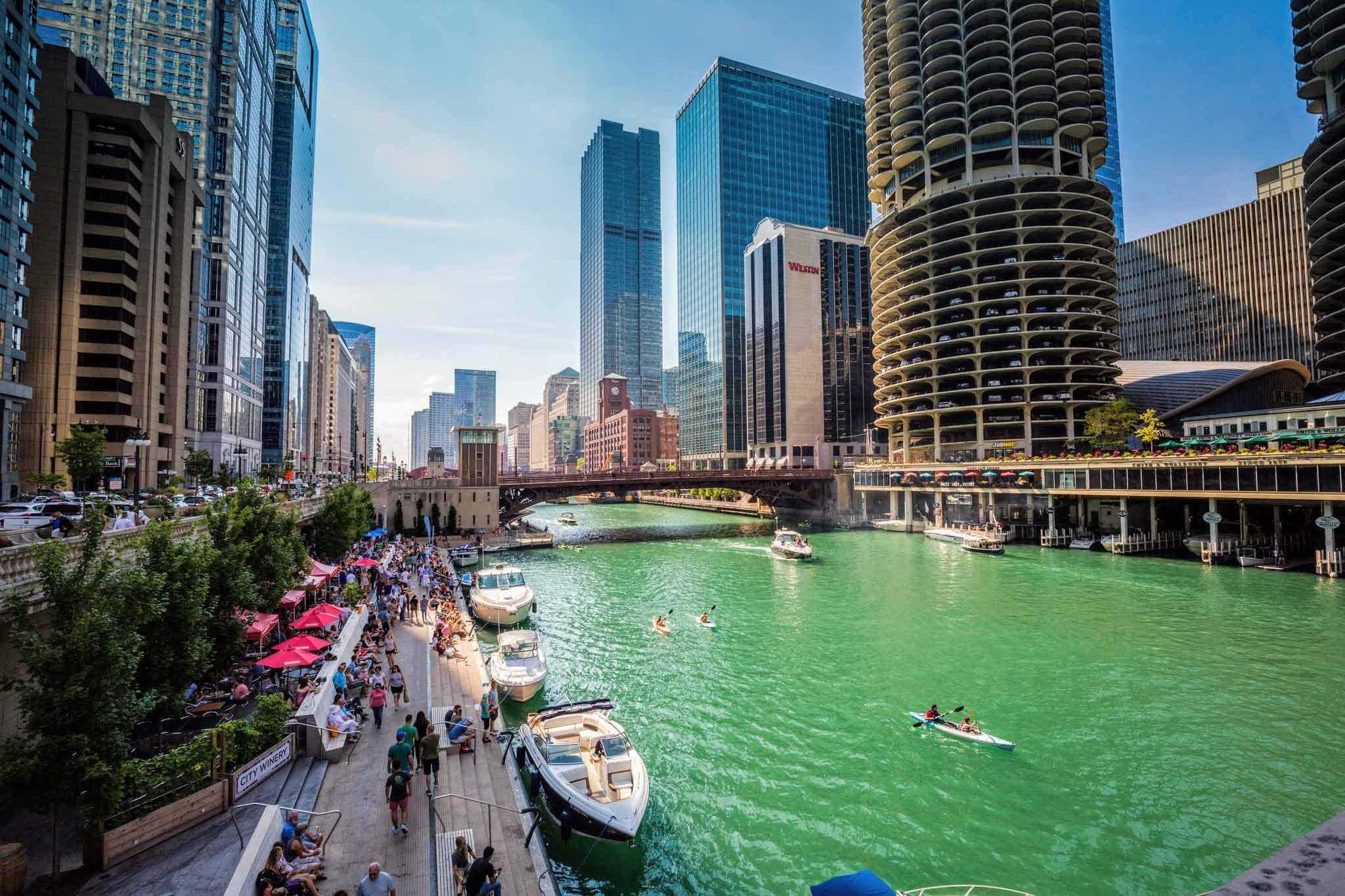 Riverwalk_Chicago.jpg