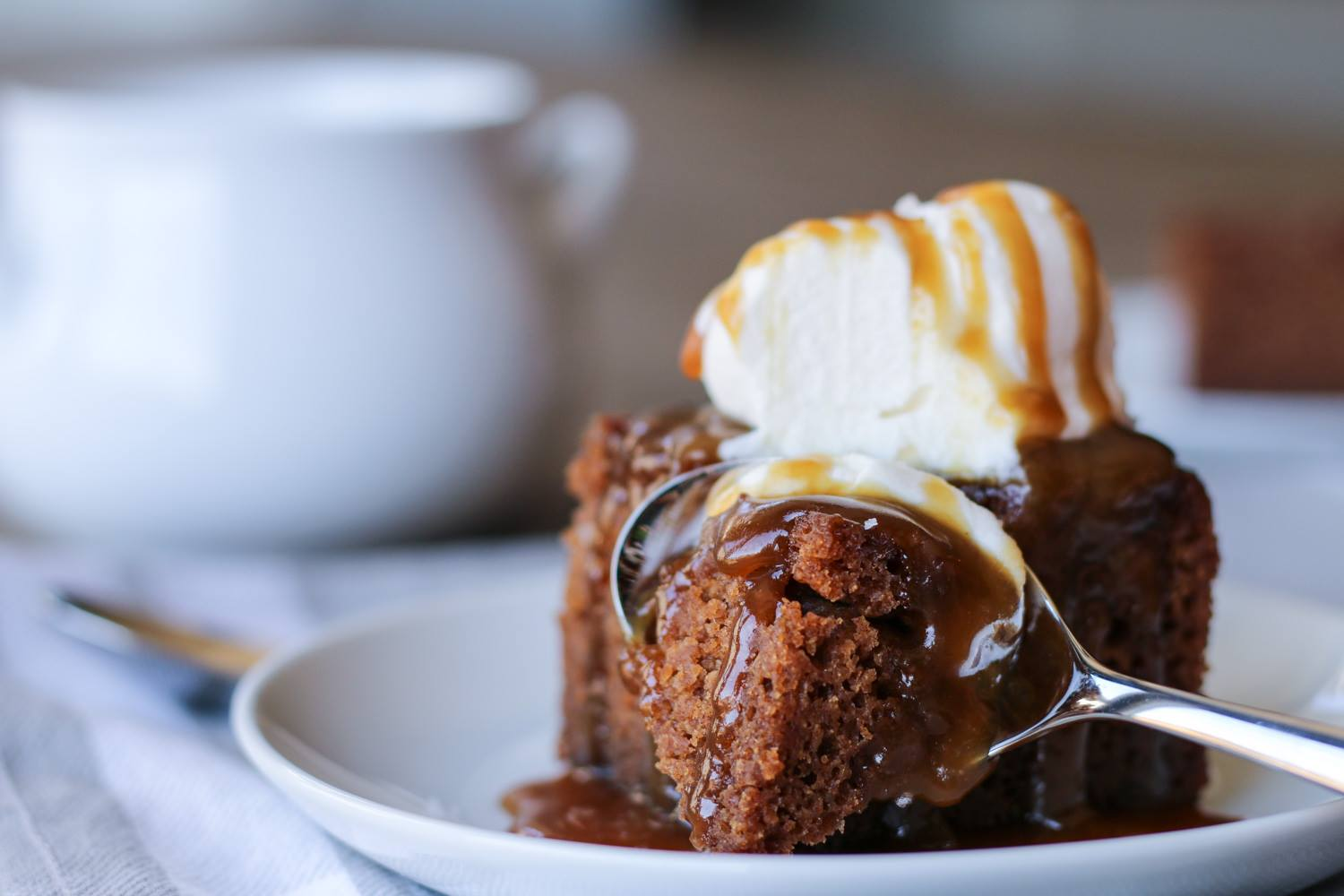 sticky-toffee-pecan-pudding-recipe