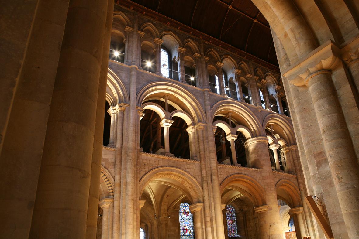 Romsey Abbey 8.jpg