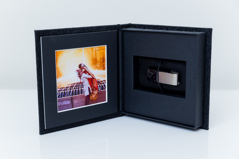 USB Folio     After we've processed all your images, we'll send you a USB folio that contains all your personalised images in high quality with no watermark.