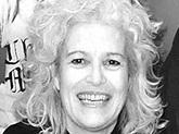 Ingrid Korn - er hun psykiatrisk sykepleier, og hun flyttet til Fredrikstad i 2014. Som nyinnflyttet, sangglad og sosialt anlagt så hun seg om etter et nettverk med musikalsk tilsnitt, og hun valgte derfor å melde seg inn i et kor. Det ble Risikoret der hun nå synger 2. alt. Hun så seg aldri tilbake!