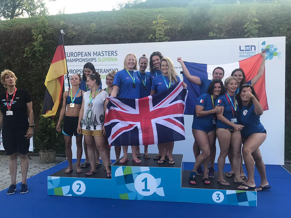 Otter Women's Freestyle Team win Gold